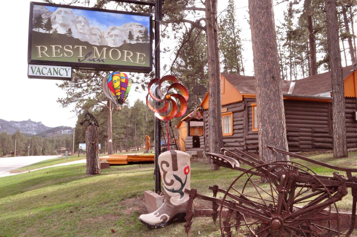 Restmore Inn